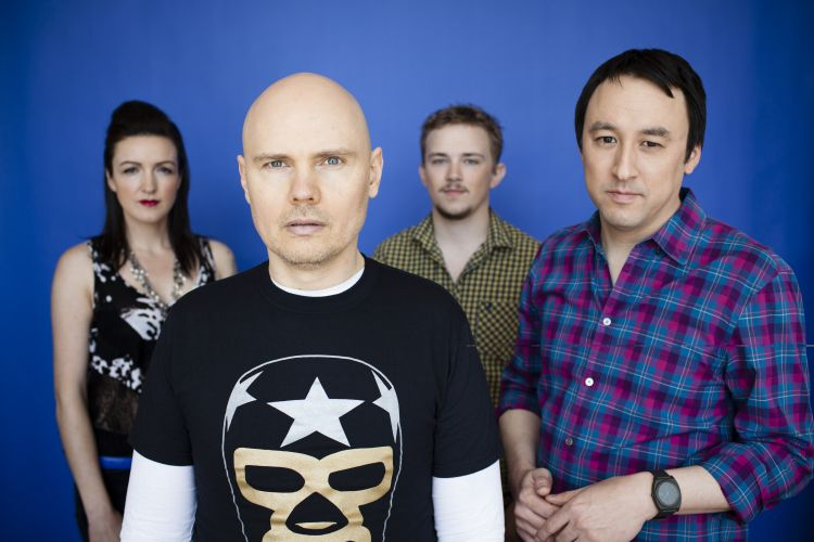 SMASHING-PUMPKINS-2012-BAND-PHOTO