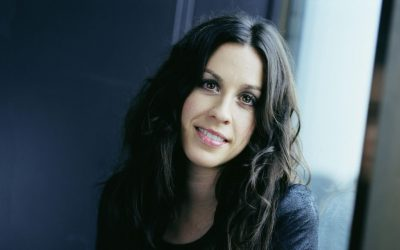 "ALANIS MORISSETTE: il nuovo singolo ""I Miss The Band"""